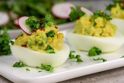 Plněná vejce s avokádem