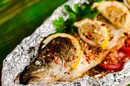 Makrela na grilu v alobalu