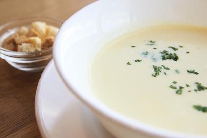 Mléčná polévka s krutony