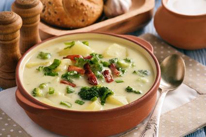 Krémová brokolicová polévka s bramborem
