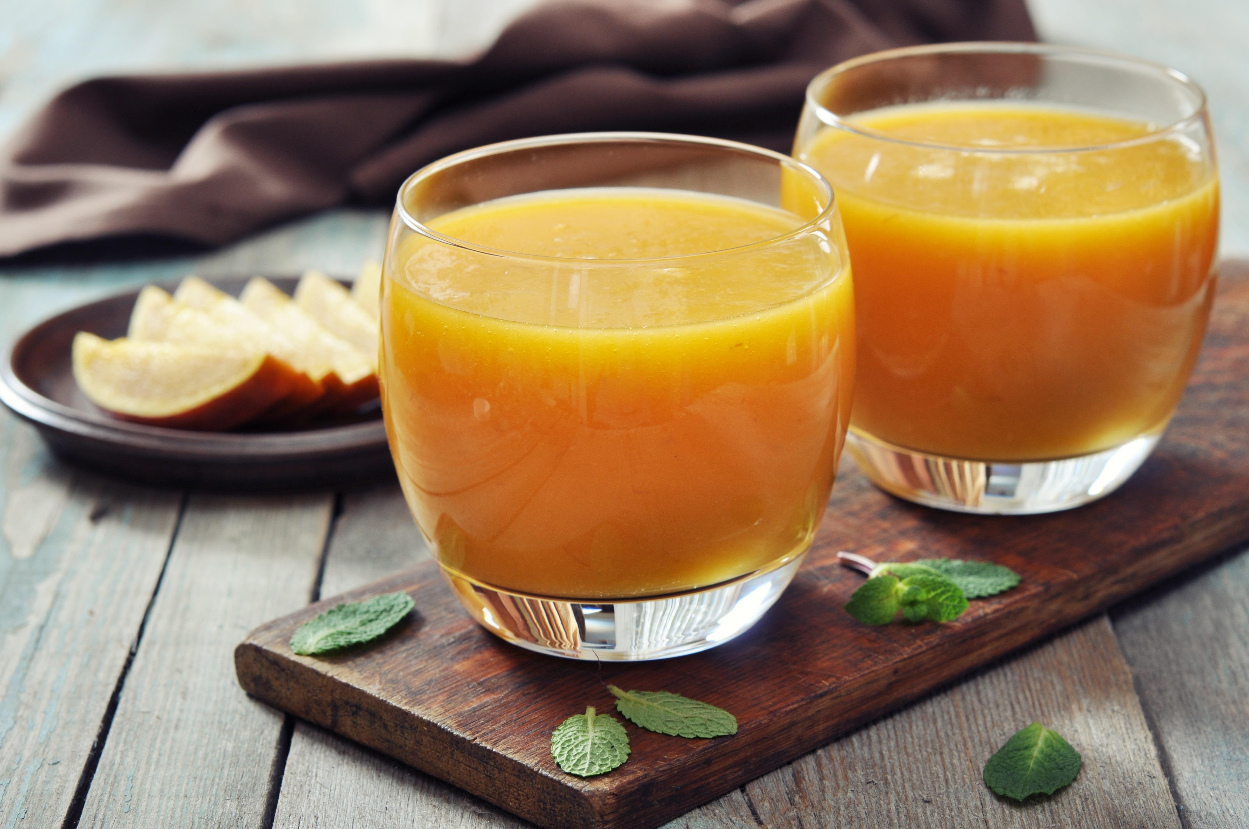 Pomerančové smoothie s mangem