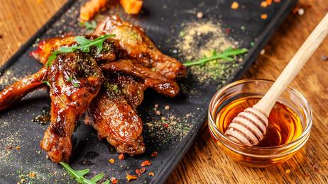 Medovo-hořčicová marináda na kuřecí maso