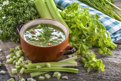 Polévka zřapíkatého celeru