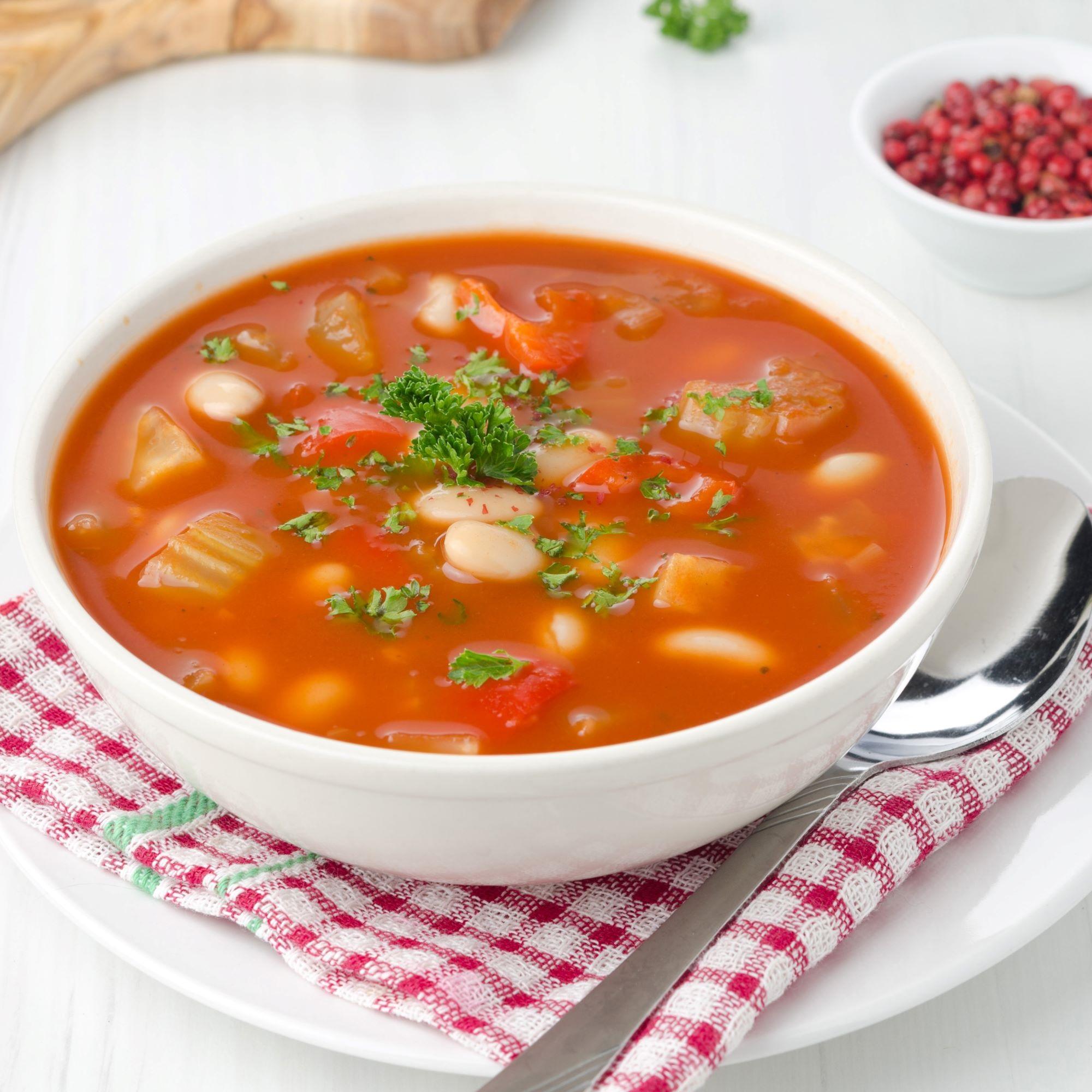 Fazolová polévka z konzervy