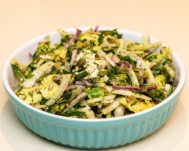 Fenyklový salát s avokádem