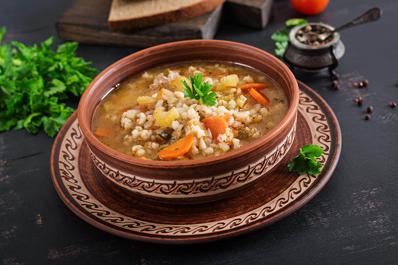 Kroupová polévka se zeleninou